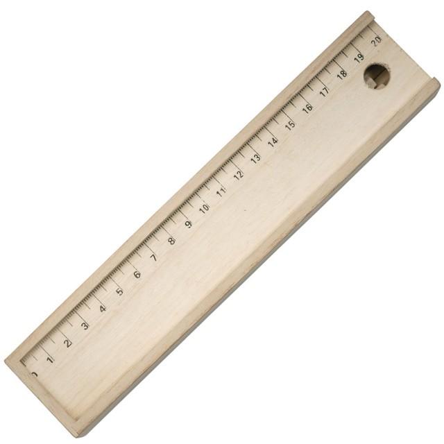 Set matite colorate (12), sezione esagonale, lung. 17 cm, con temperamatite e scatola in legno, il cui coperchio funge da righello